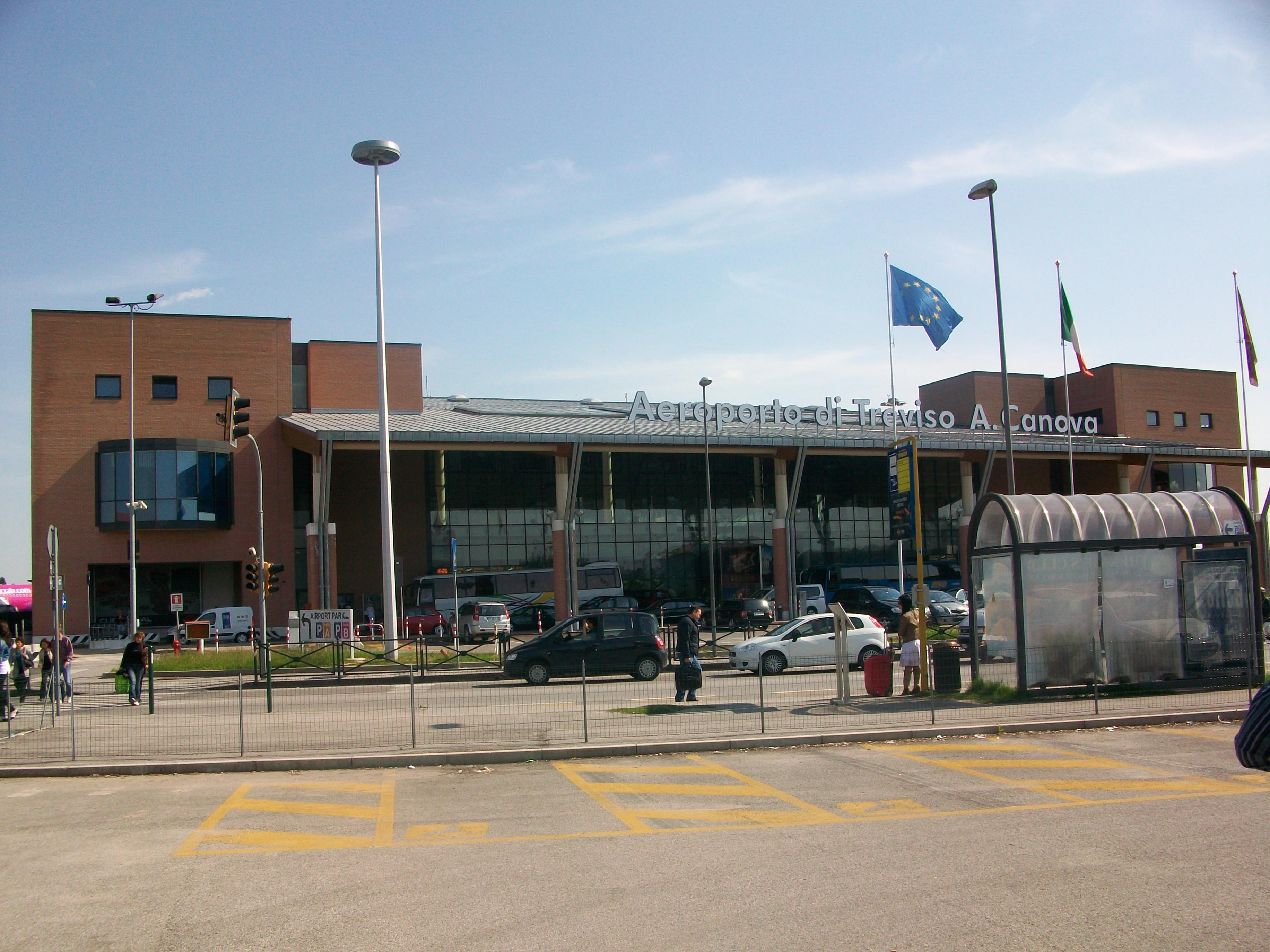 Aeroporto_di_Treviso_A_Canova