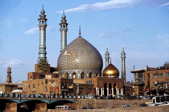 IranQomGoldenMosque1984